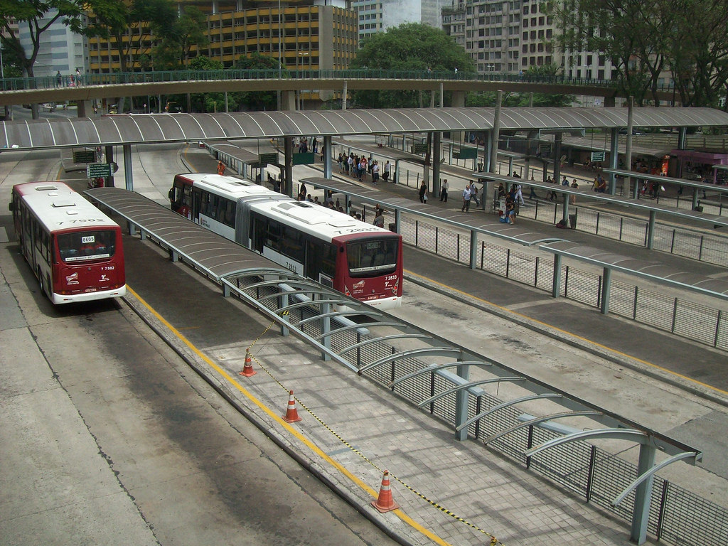 """Terminal de ônibus"" by Milton Jung is licenced under Attribution 2.0 Generic (CC BY 2.0)"